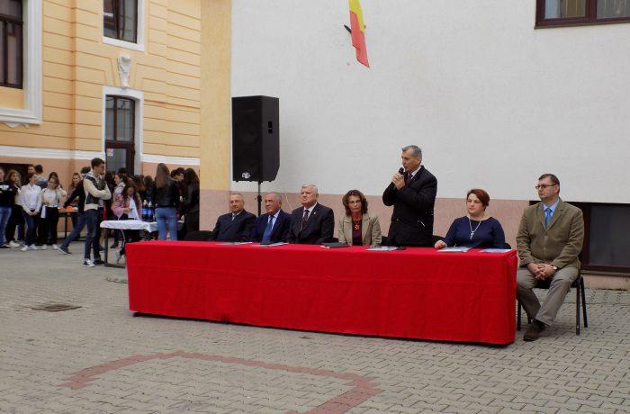 """La Colegiul Național """"Andrei Mureșanu"""" s-au sărbătorit 120 de ani de învățământ liceal la Dej"""