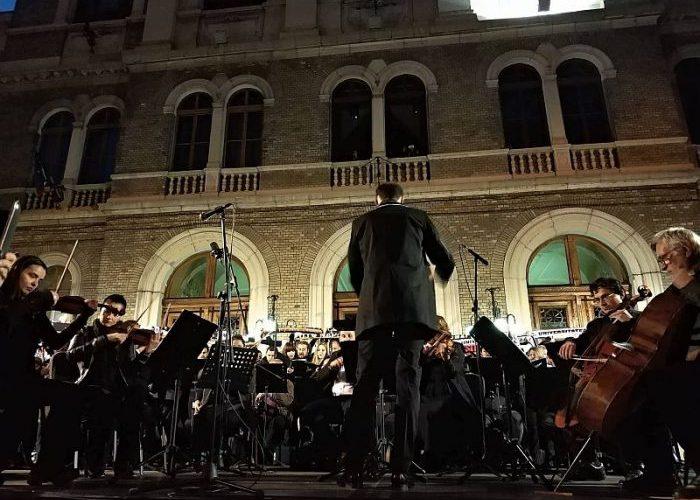 Galeria Universităţii Cluj a susţinut un concert alături de instrumentişti ai Academiei de Muzică