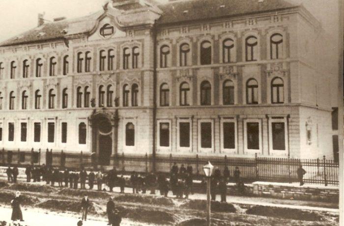 Istorie locală: 120 de ani de învățământ liceal la Dej