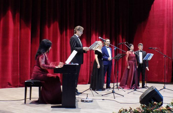 Concert de Căciun, oferit dejenilor de Rotary Club Dej