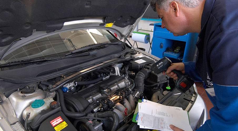 Poluarea și semnalizarea defectă, principalele probleme auto descoperite de RAR în trafic