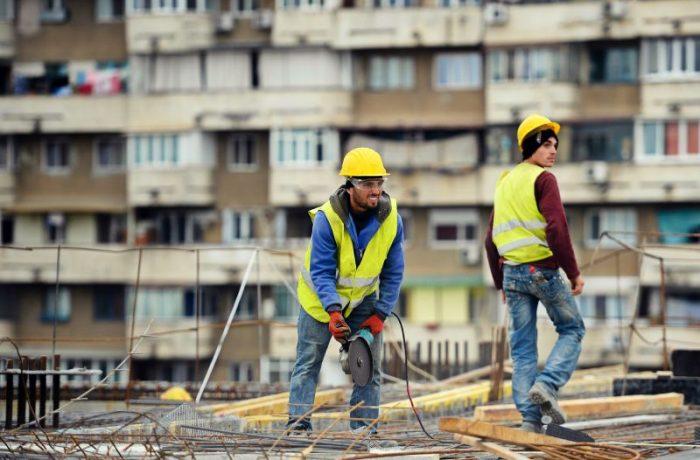 Acțiuni de control la angajatorii din domeniul construcțiilor