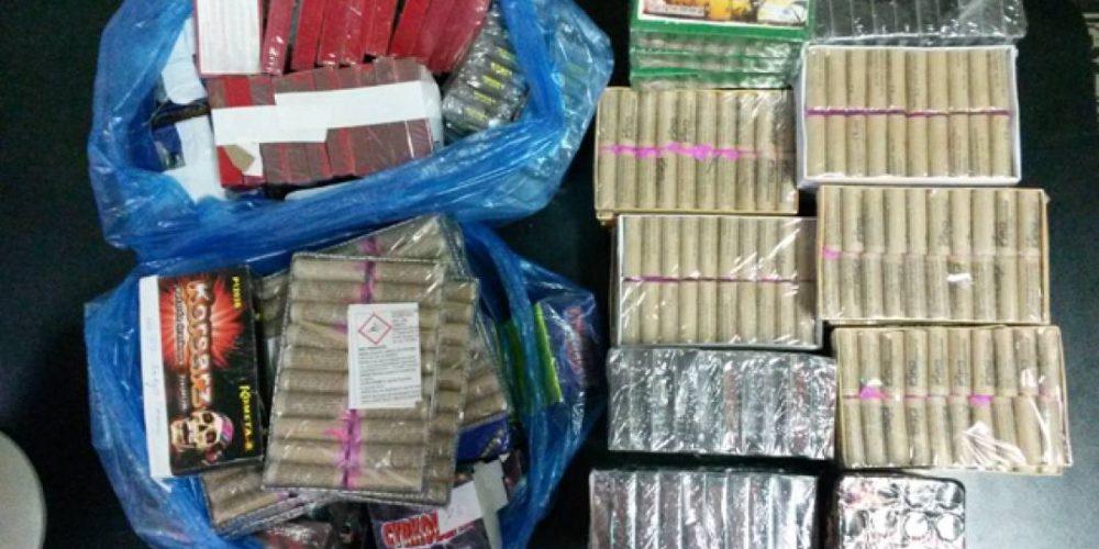 Peste 5 tone de artificii confiscate de polițiști