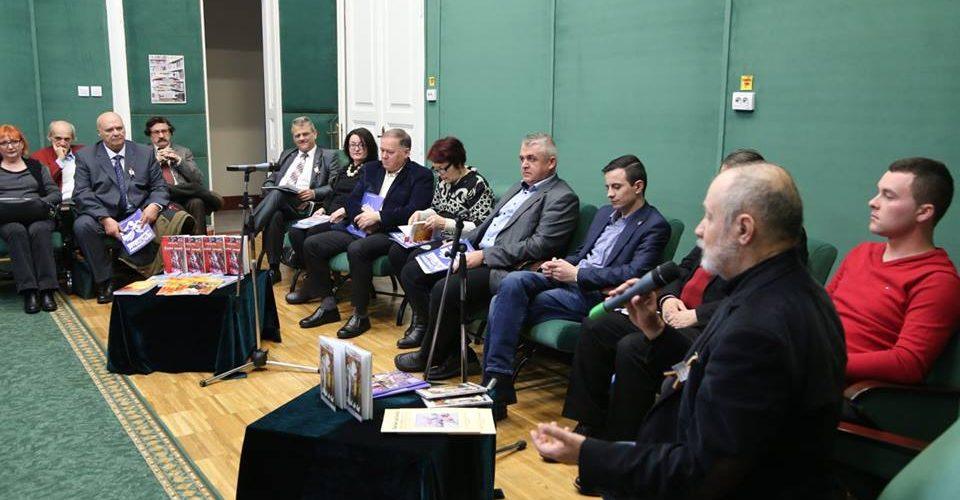 Scriitori dejeni la o întâlnire de cenaclu, în Bistrița