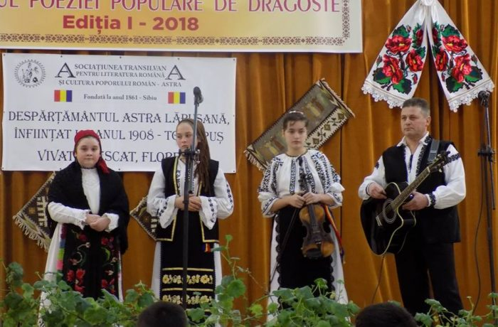 """Astriștii dejeni, la """"Festivalul poeziei populare de dragoste"""""""