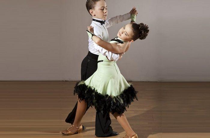 Dansatori dejeni la Cupa Cetății Alba Iulia și Dance Masters București