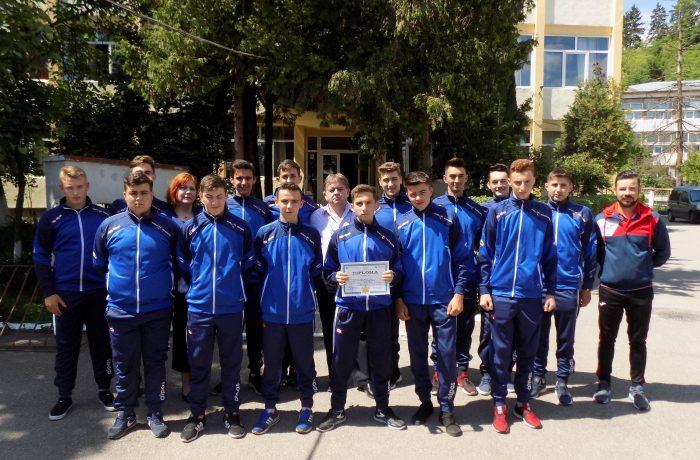 """Echipa de oină a Liceului Tehnologic """"Constantin Brâncuși"""", Locul III și medalia de bronz la Olimpiada Națională a Sportului Școlar"""