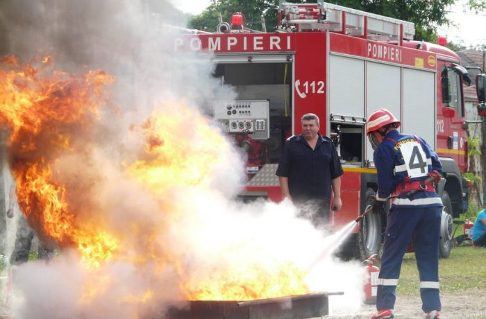 Pompierii de la VASROM Dej, calificaţi pentru faza pe ţară a concursului serviciilor private pentru situații de urgență