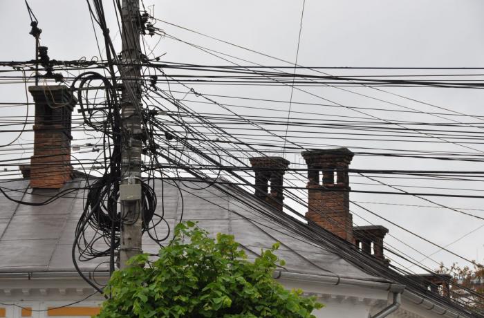 Transelectrica ne anunță că pericolul vine de sus!