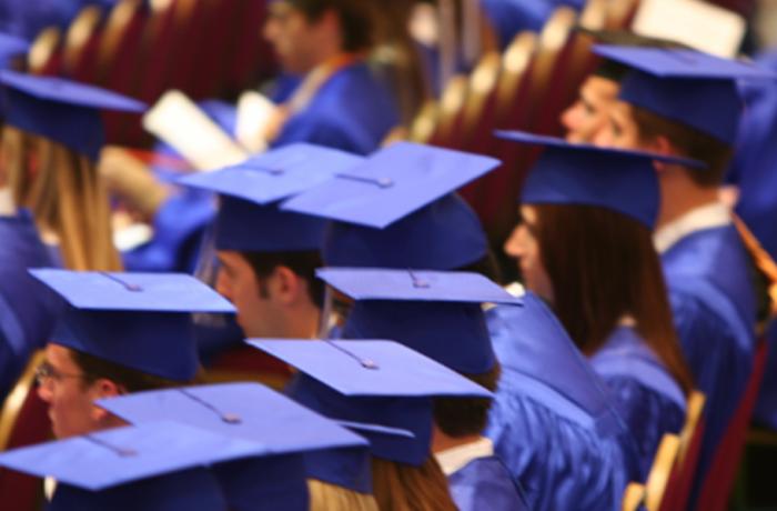 Burse mai mari pentru studenții doctoranzi
