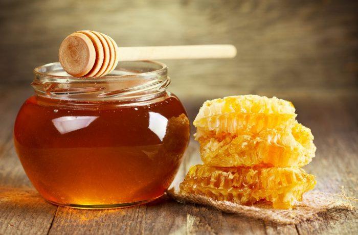 Vremea ploioasă scumpește mierea!