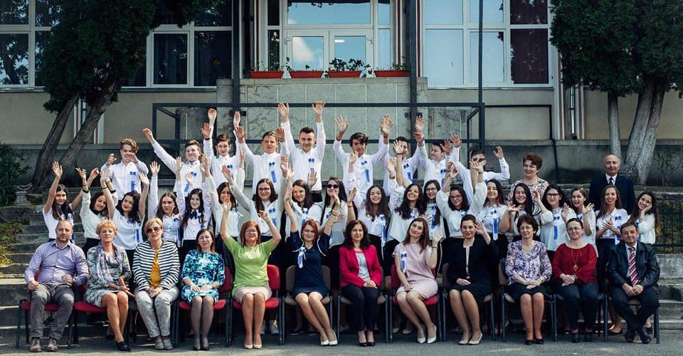 """""""Scrisoare deschisă"""" cu felicitări, adresată promoției 2018 de la Școala """"A. Iancu"""""""
