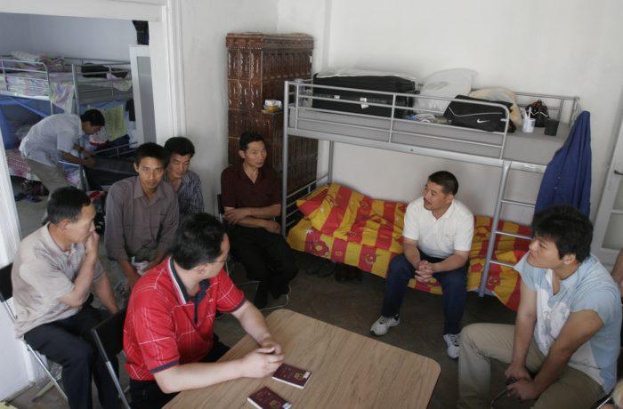 "Vom ""importa"" mai mulți muncitori din  Nepal, Filipine, Vietnam și Thailanda"