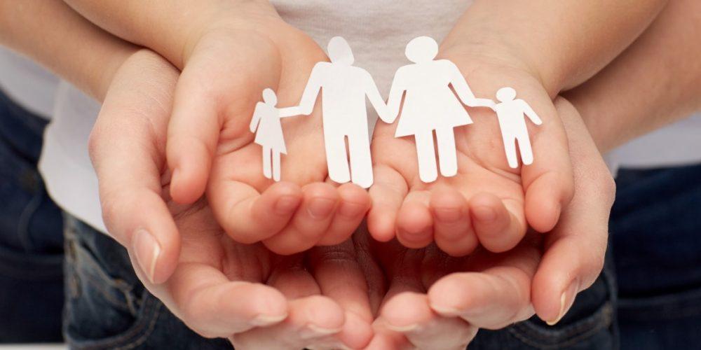 Familiile care adoptă copii vor fi sprijinite financiar