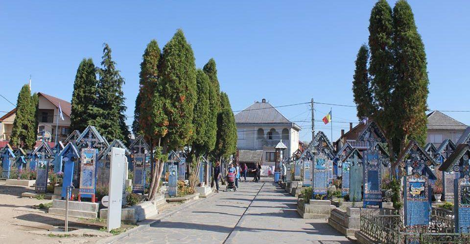 """De văzut: """"Cimitirul Vesel"""" din Săpânța"""