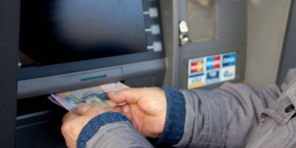 Ministrul de finanțe trimite pensionarii la bancomate!