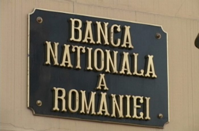 BNR a constatat că unul din patru români apţi de muncă a plecat  în străinătate