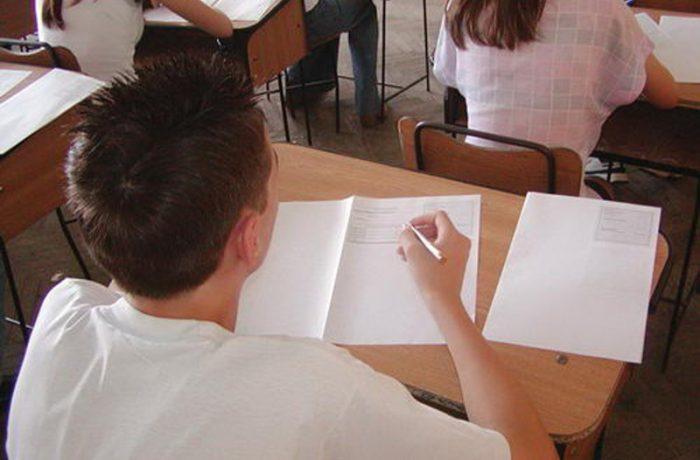 Clasele de liceu nu vor putea avea mai mult de 26 de elevi