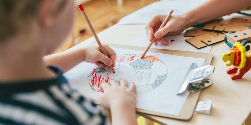 Sfârșitul lui octombrie aduce prima vacanță pentru preșcolari și elevii din învățământul primar