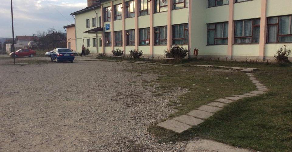 Lucrări de reabilitare la clădirea școlii din Ocna Dej