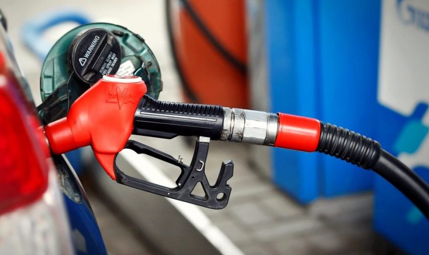 Se schimbă etichetele carburanților, prețurile rămân