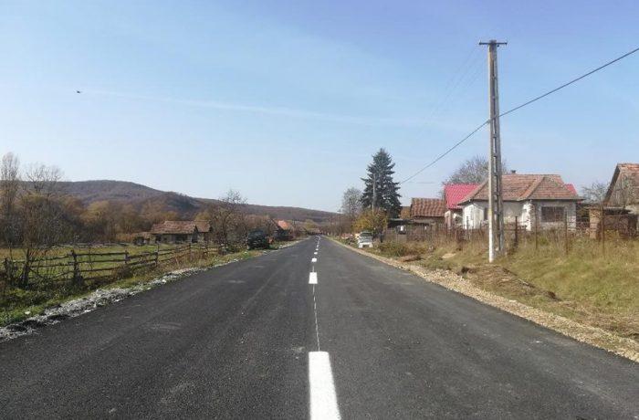 Lucrări de marcaje rutiere pe drumurile judeţului Cluj