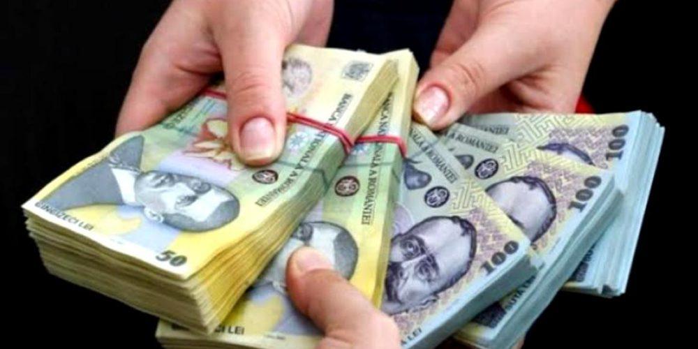 Finanțele împrumută bani la greu!