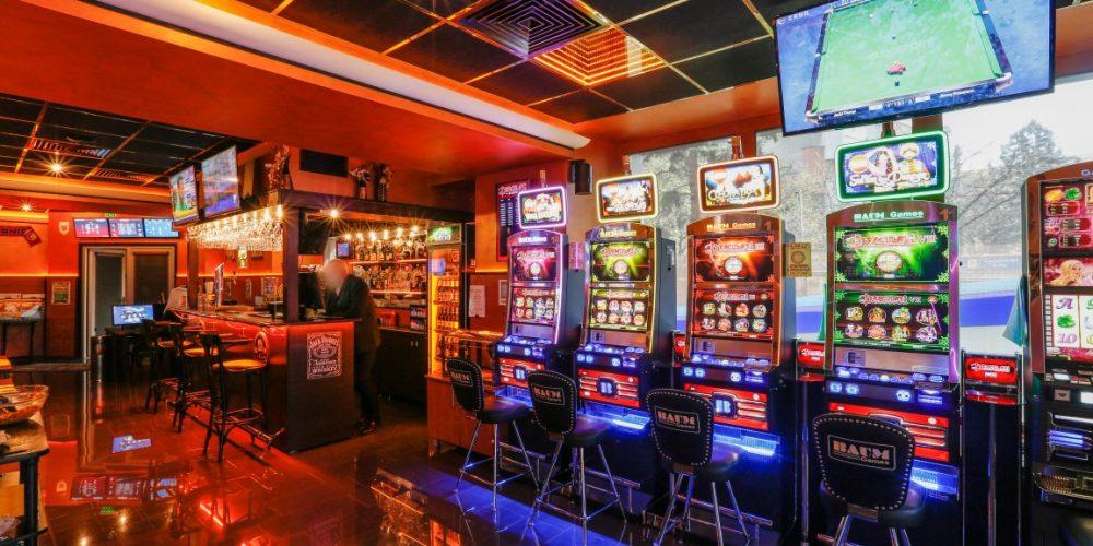 """Joci și câștigi! Guvernul """"relaxează"""" taxele pentru jocurile de noroc"""