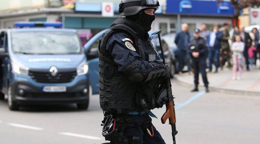 Activitatea jandarmilor clujeni, afectată de lipsa ofiţerilor şi a autovehiculelor