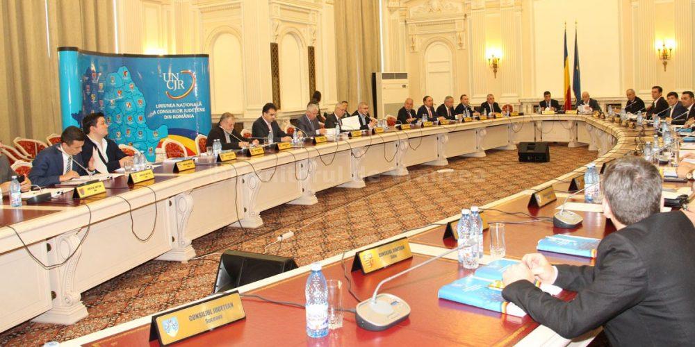 Consiliile județene din România se reunesc în ședință solemnă, la Focșani