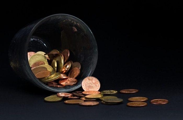 Românii au venituri prea mici pentru a putea face economii