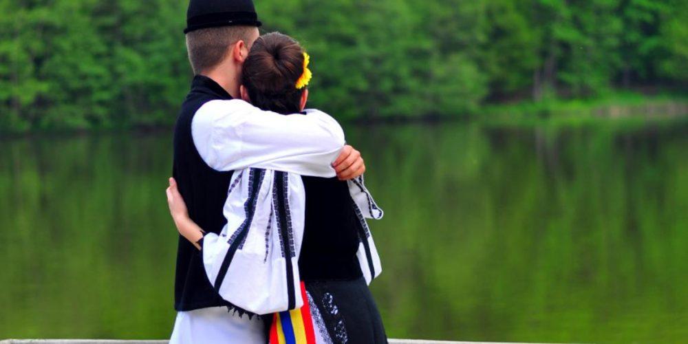 """24 februarie, ziua în care """"Dragobetele sărută fetele""""!"""