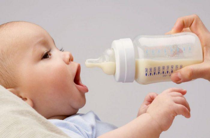 Dej: se distribuie lapte praf gratuit pentru sugari!