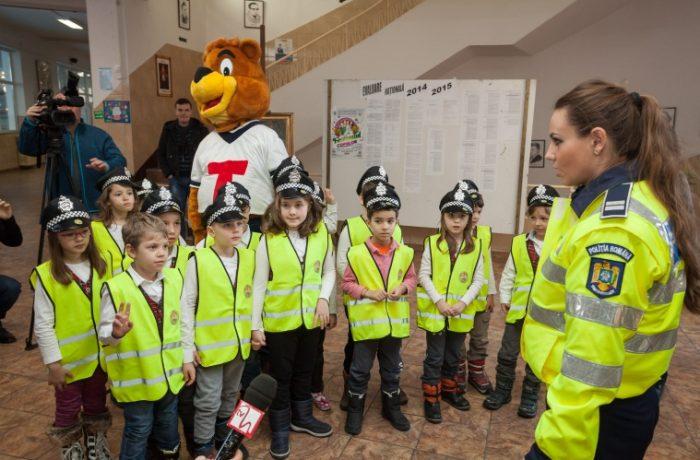 """O nouă serie de elevi la """"Școala siguranței Tedi"""""""