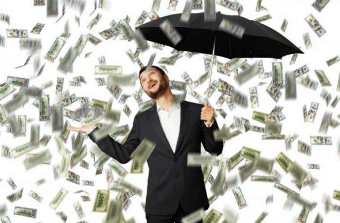 Plouă cu bani electorali: 20.000 de lei pentru fiecare gospodărie!