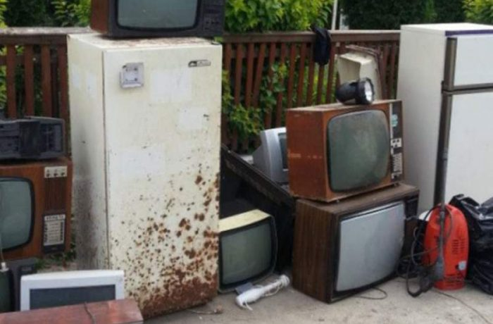"""Televizoarele şi aspiratoarele vor fi incluse în programul """"Rabla pentru electrocasnice"""""""