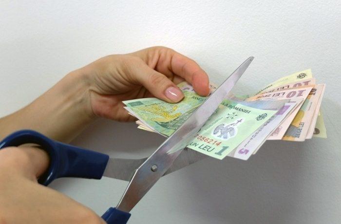 Ministrul  Finanțelor cere tăieri de salarii, bonusuri și personal