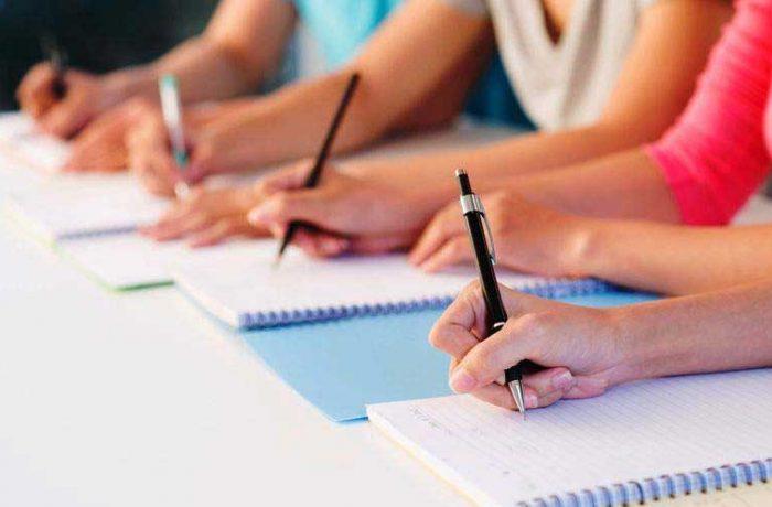 Absolvenții claselor a VIII-a susțin, mâine, prima probă la Evaluarea Națională