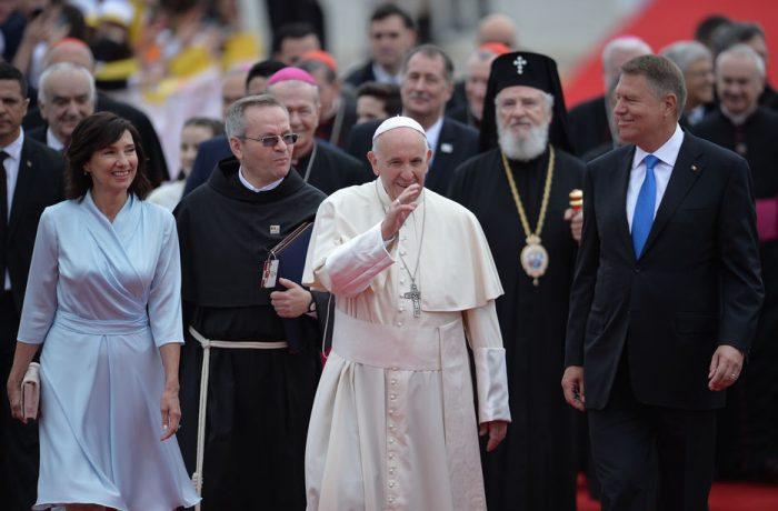 Vizita Papei Francisc în România. Programul primei zile (video).