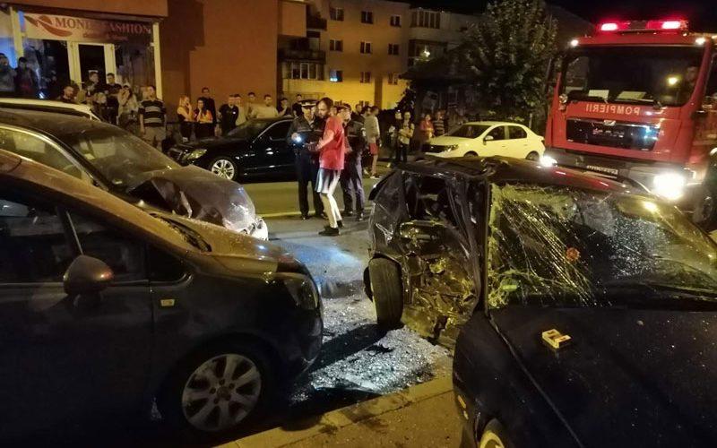 Patru vehicule avariate în urma unui accident, la Dej