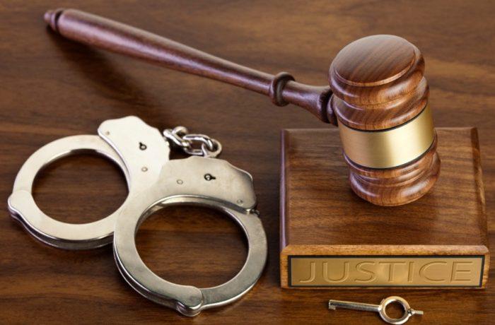 Legea care interzice eliberarea condiționată a criminalilor, violatorilor și tâlharilor contestată de Curtea Supremă