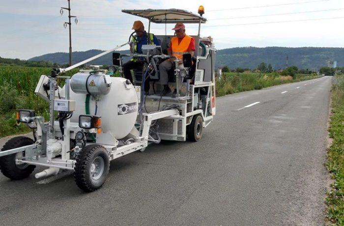 Lucrări de marcaje rutiere în lungime de peste 110 de kilometri, pe șase drumuri județene