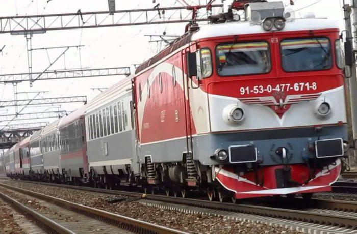 Mecanicii de locomotivă şi angajaţii CFR Călători se pregătesc de proteste masive