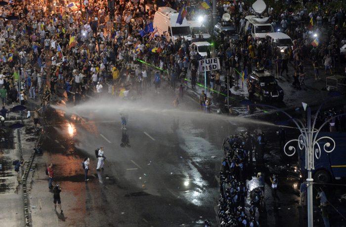Astăzi,  un an de la reprimarea violentă  a mitingului diasporei
