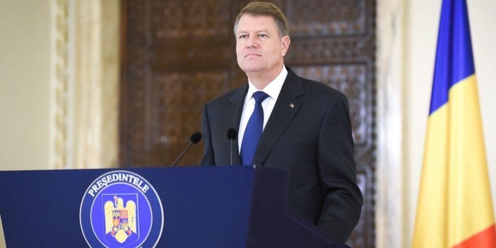 Klaus Iohannis respinge remanierea propusă de premier