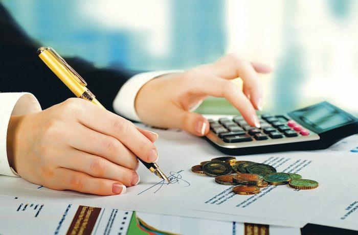 Românii lucrează 169 de zile pe an numai pentru plata taxelor