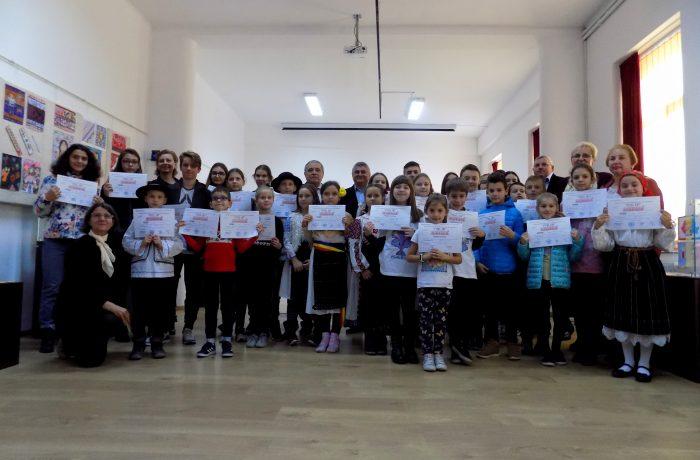 """""""Motive populare românești în PIXEL ART"""""""