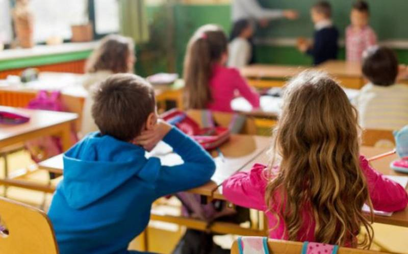 Cât costă învățământul gratuit?