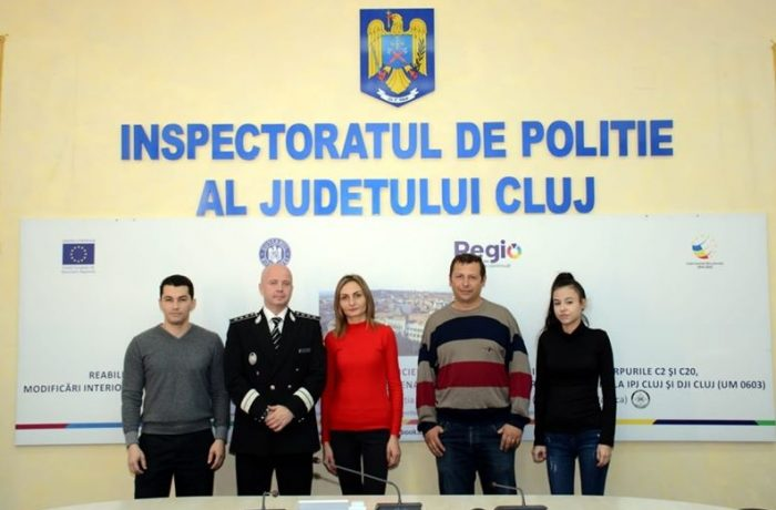 Patru cetățeni cu spirit civic, felicitați de conducerea IPJ Cluj