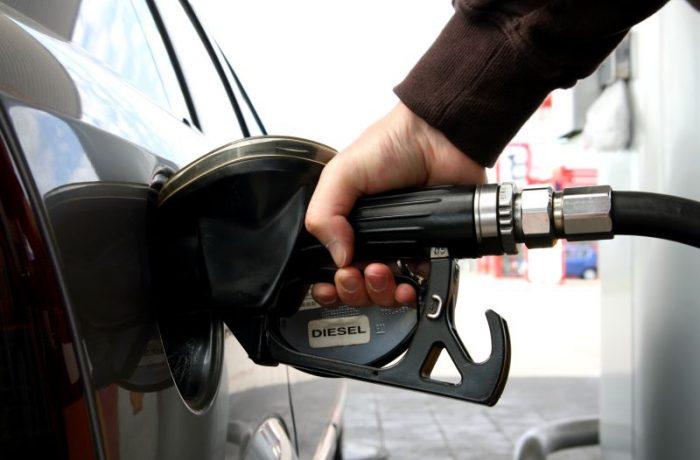Supraacciza la carburanți, eliminată de Parlament
